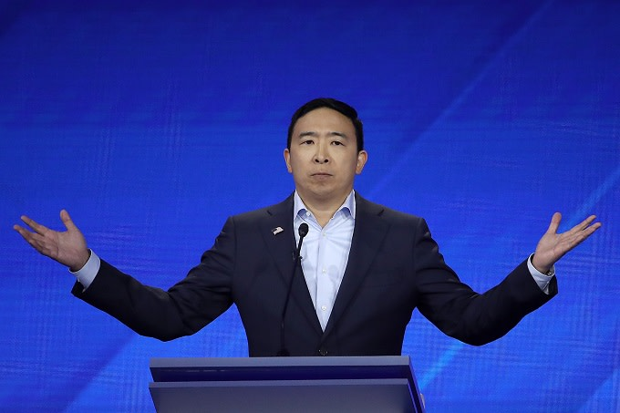 Andrew Yang Doesn't Think Shane Gillis Should Lose 'SNL' Job Over Racist Remarks