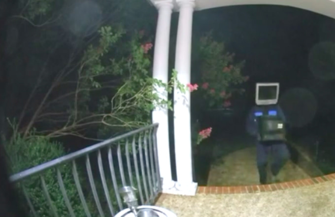 Man Leaves More Than 50 TVs on Porches While Wearing a TV on His Head