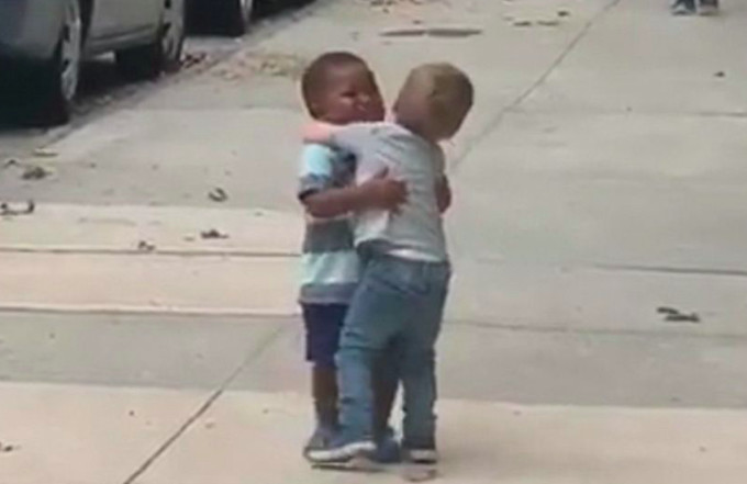 This Viral Video of Two Hugging Toddlers Is Giving the Country Hope