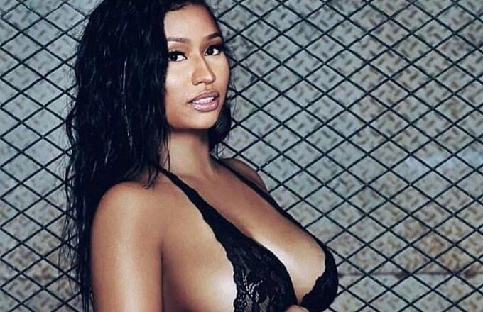 Nicki Minaj Posts Joking Pregnancy Photo, and Twitter Loses It