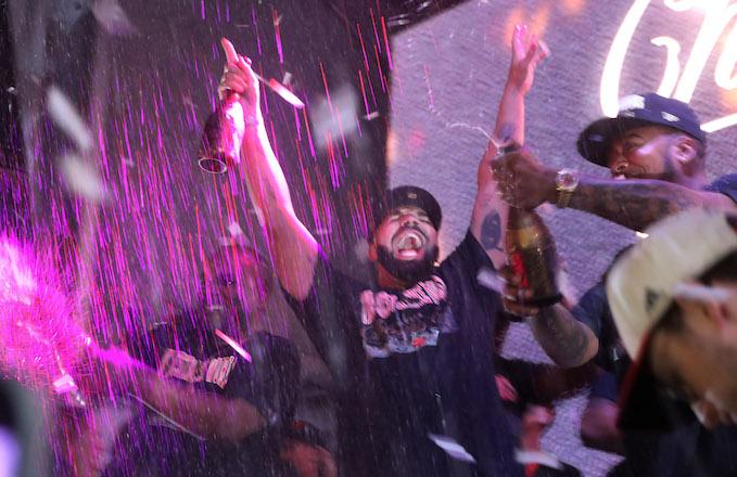 28cfef769b9391 Here's How Drake Celebrated the Toronto Raptor's First NBA Title ...