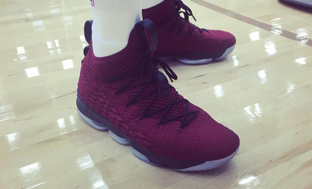 Nike LeBron 15 Burgundy Maroon