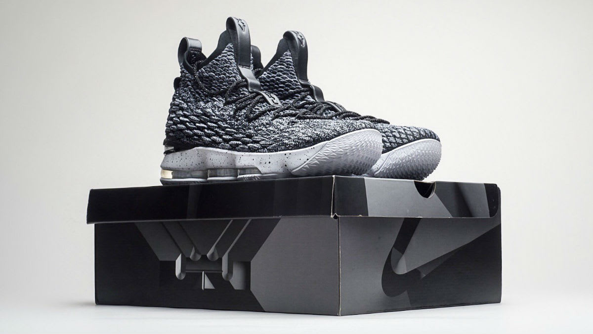 Nike LeBron 15 Black White Ashes Release Date 897648-002 (17)