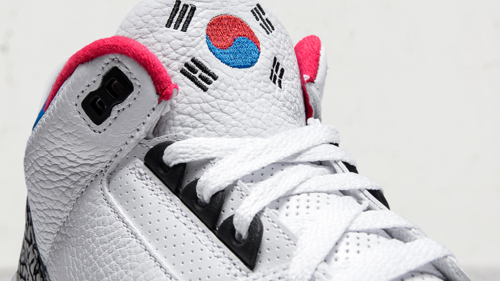 3157e836d373 ... Image via Nike Air Jordan 3 Seoul (Tongue) ...