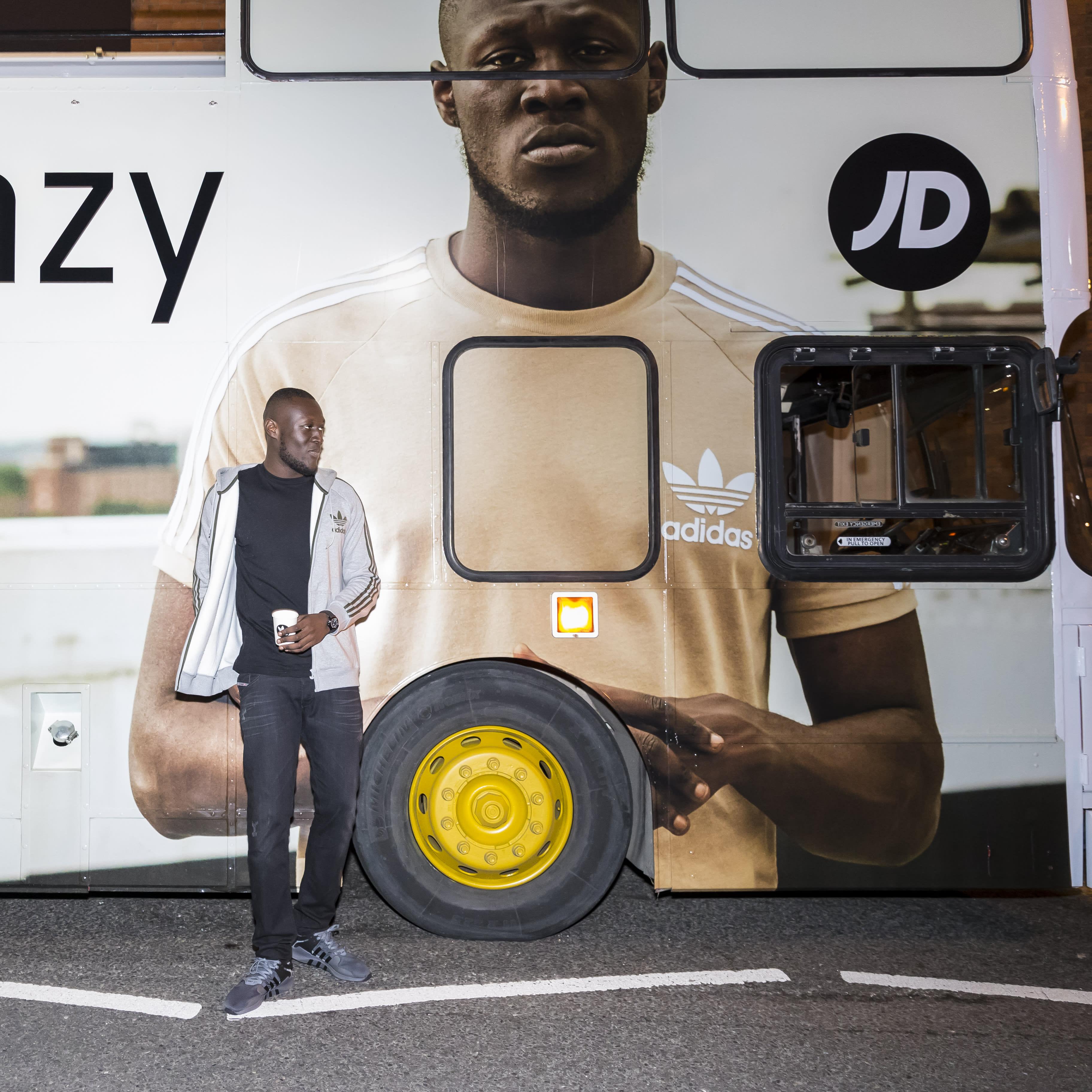 adidas-bus-4