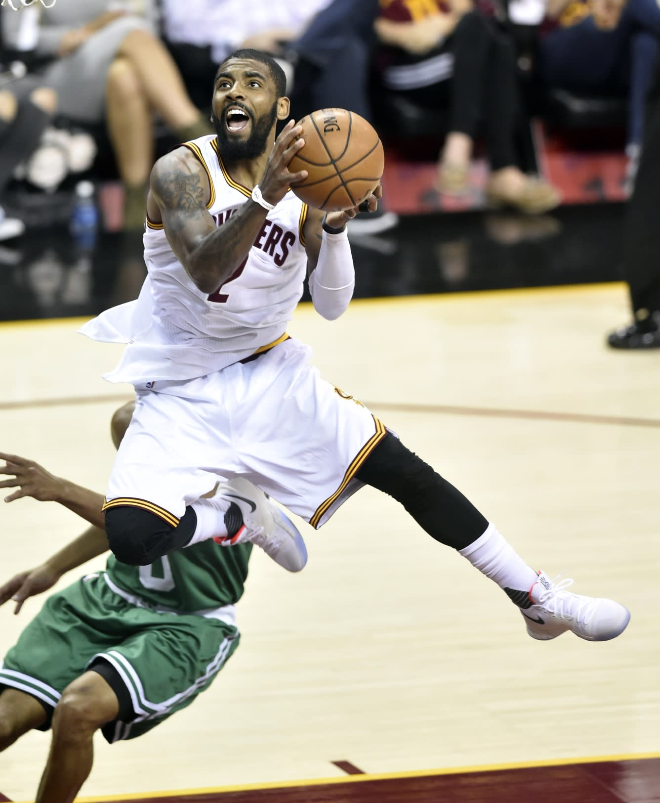 Kyrie Irving beats Celtics