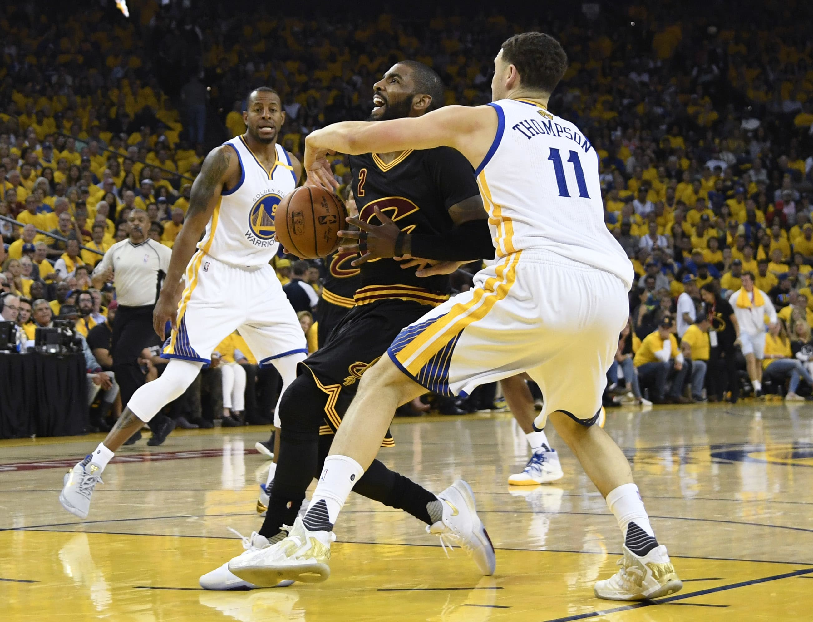 Kyrie Irving Klay Thompson NBA Finals Game 2 2017
