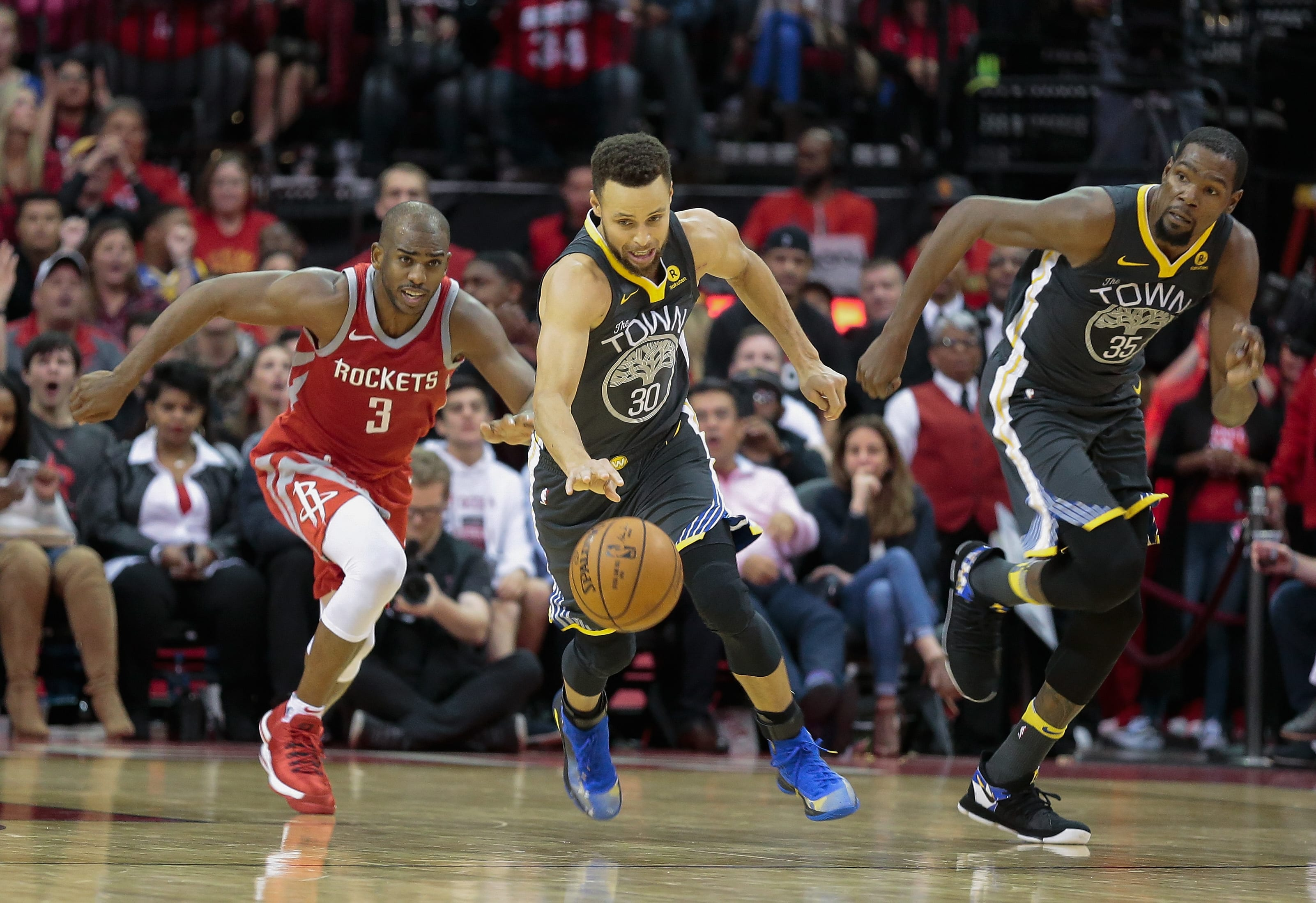 Steph Curry plays against the Rockets.