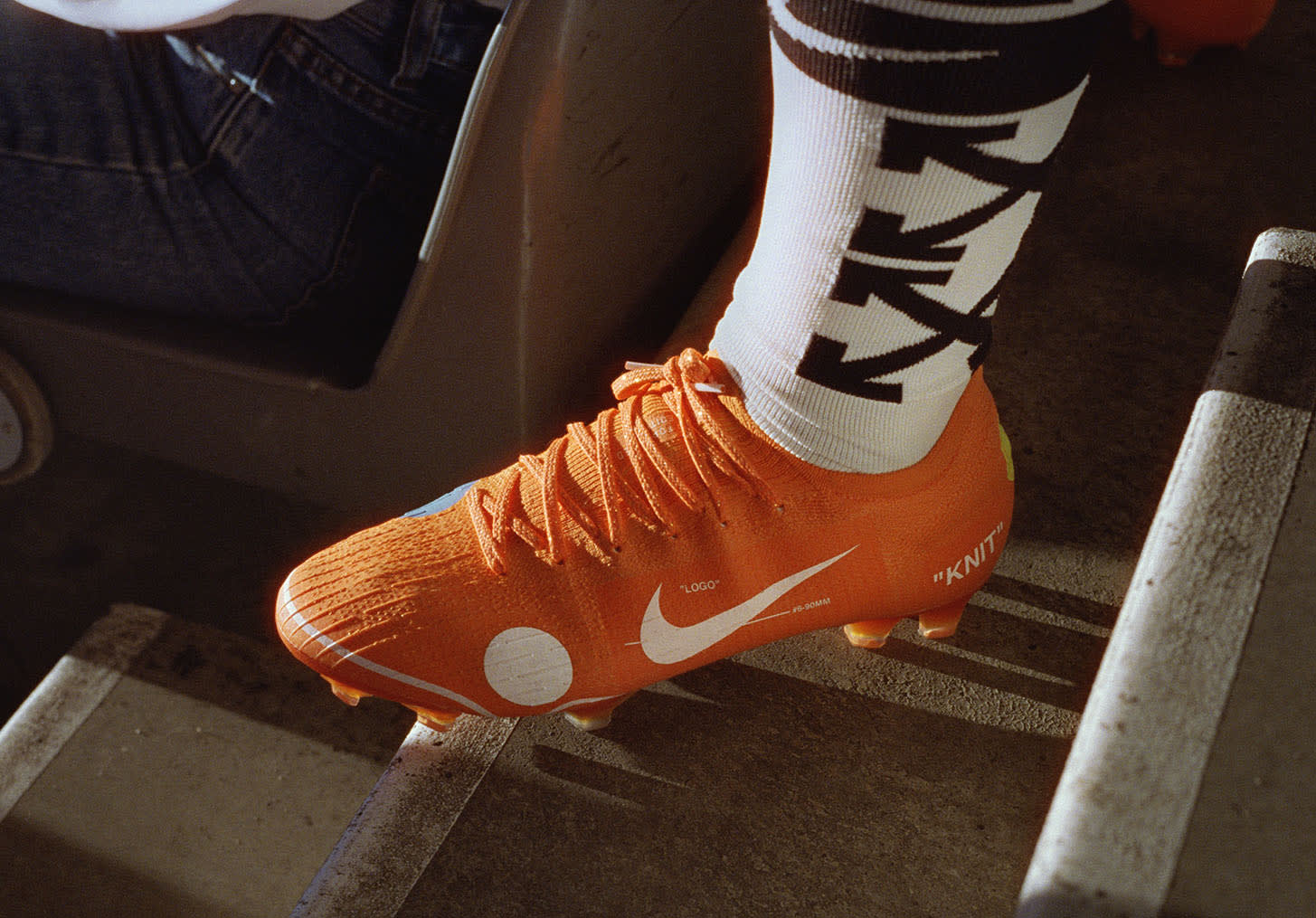 Off-White x Nike Football Mon Amour Collection (33)