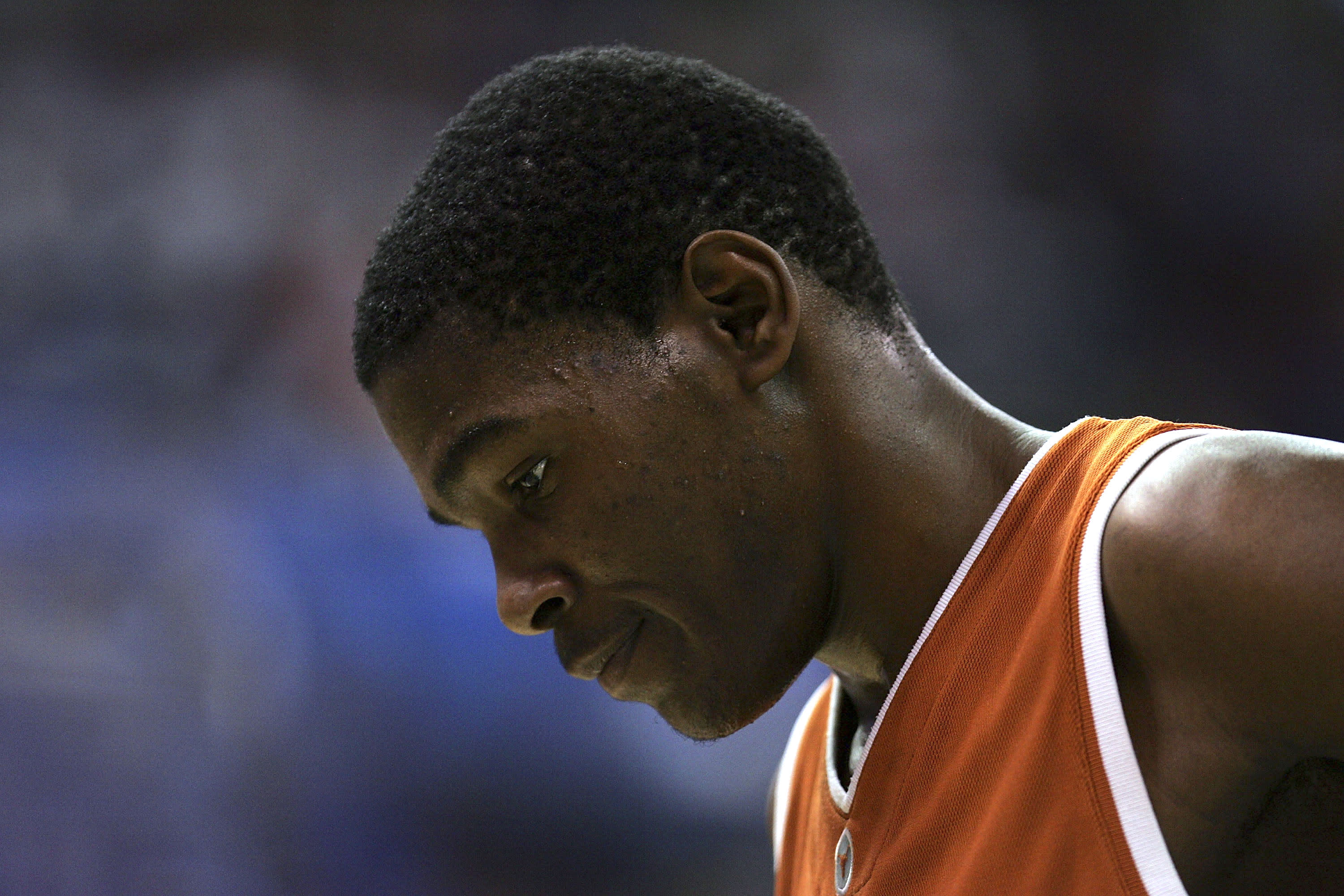 Kevin Durant puts his head down during a game at Texas.