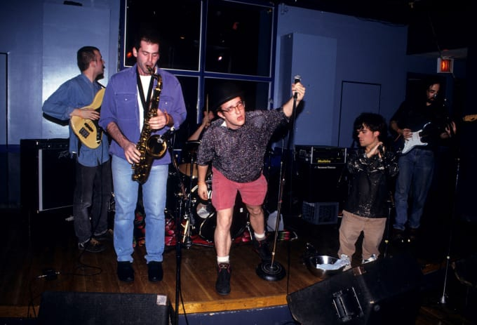 Peter Dinklage performs live with Whizzy at Columbia University on November 13, 1993