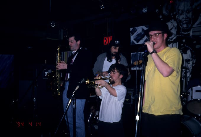 Peter Dinklage performs with Whizzy at Columbia University on July 1, 1994