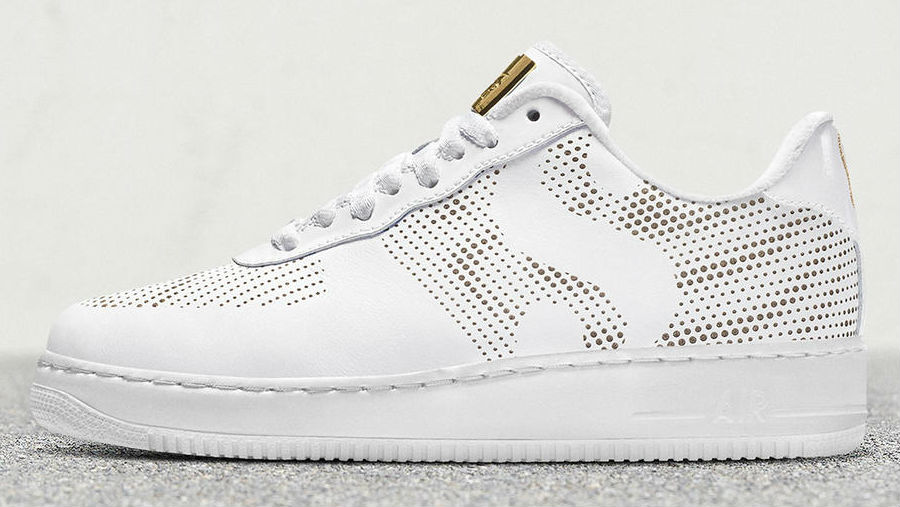 76e572eeb4df The  Strong and Sure  Nike Air Force 1 Low commemorates Serena Williams   return to Wimbledon after she missed the 2017 event while pregnant with her  ...