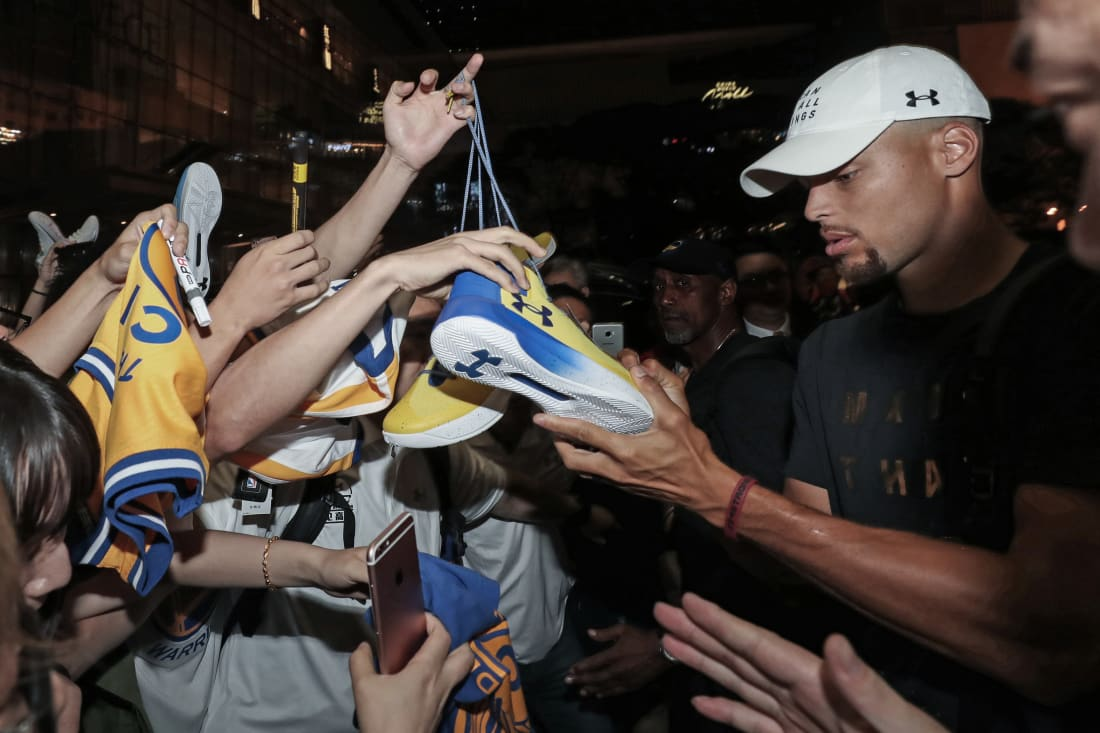 Stephen Curry Signing Sneakers
