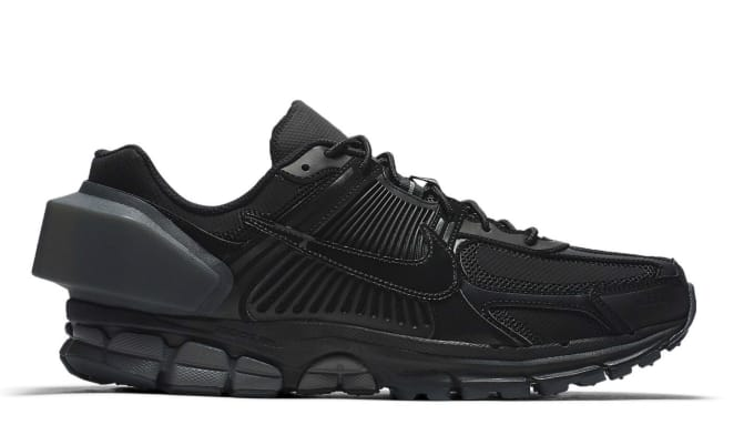 9d835310f9eee a-cold-wall-nike-zoom-vomero-5-black-