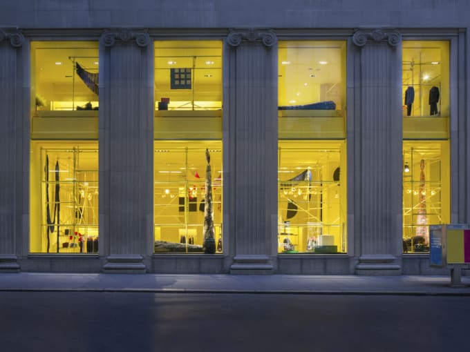 Calvin Klein Madison Ave. Exterior