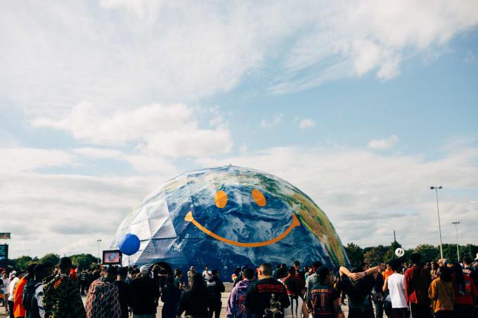 astroworld-globe-sarah-montgomery