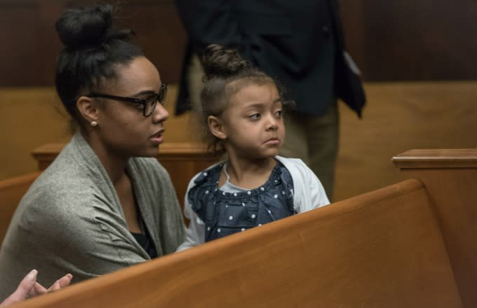 Aaron Hernandez's fiancée and daughter appear in court.