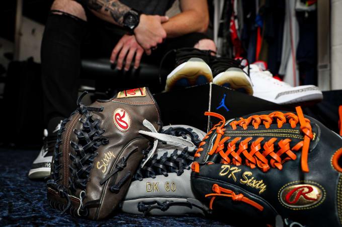 Dallas Keuchel Gloves Kicks Astros Clubhouse 2018