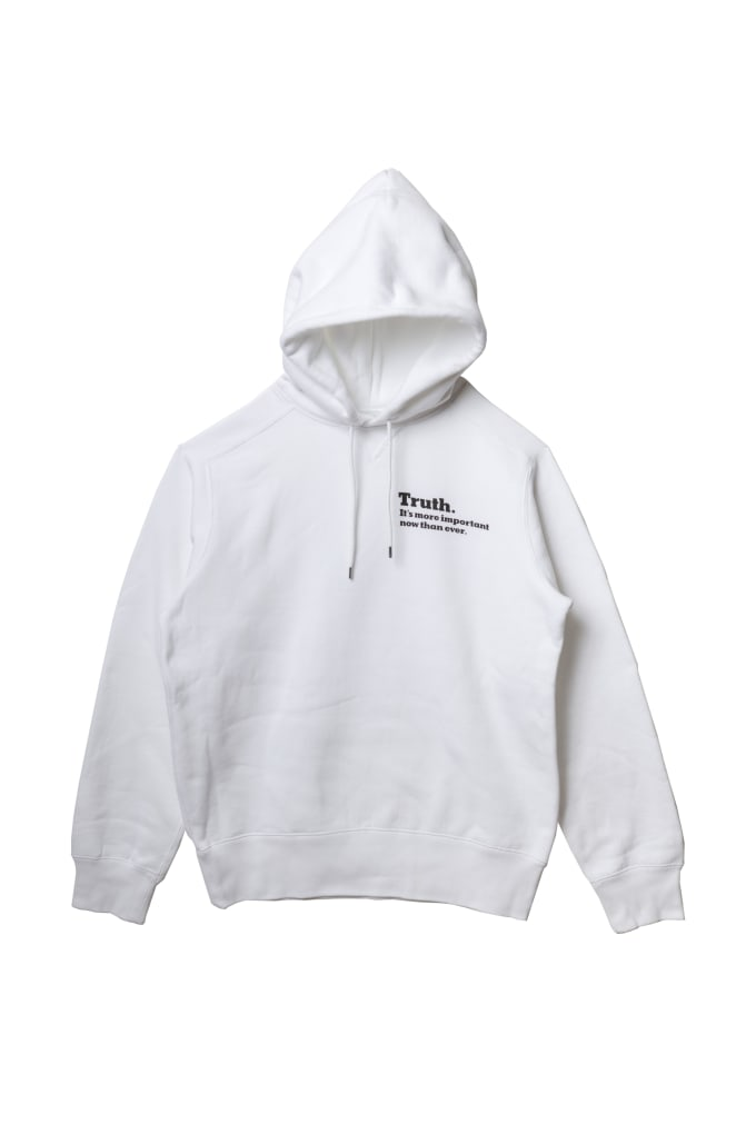sacai-fw-2018-nyt-white-front-hoodie
