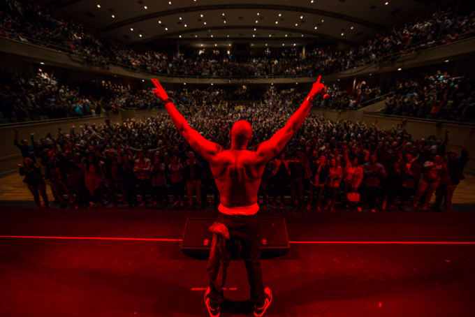 Dave Chappelle thanking sold out crowd at Radio City Music Hall