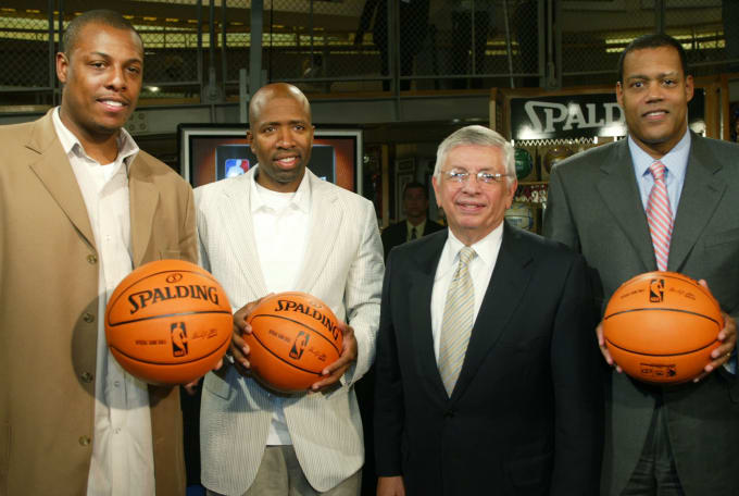 Paul Pierce Kenny Smith David Stern New Ball Spalding 2006