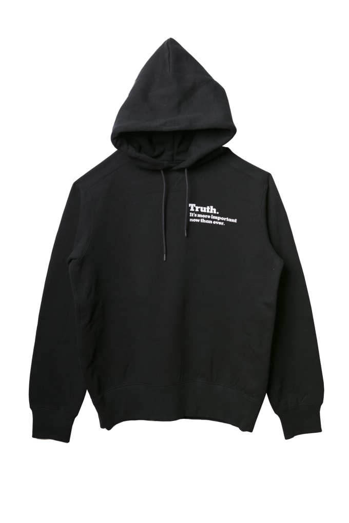 sacai-fw-2018-nyt-black-front-hoodie
