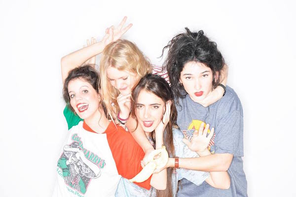 Image Hinds on Facebook / Photo by Paula Piqueras and Pau Bonet
