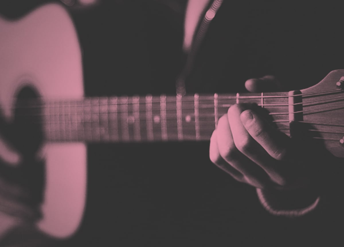 15 Songs From The 2000s That You Learned On Guitar So You Could Hook