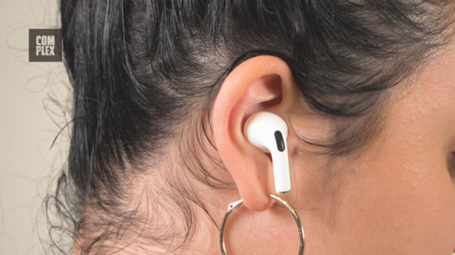 airpods pro in ear vs airpods