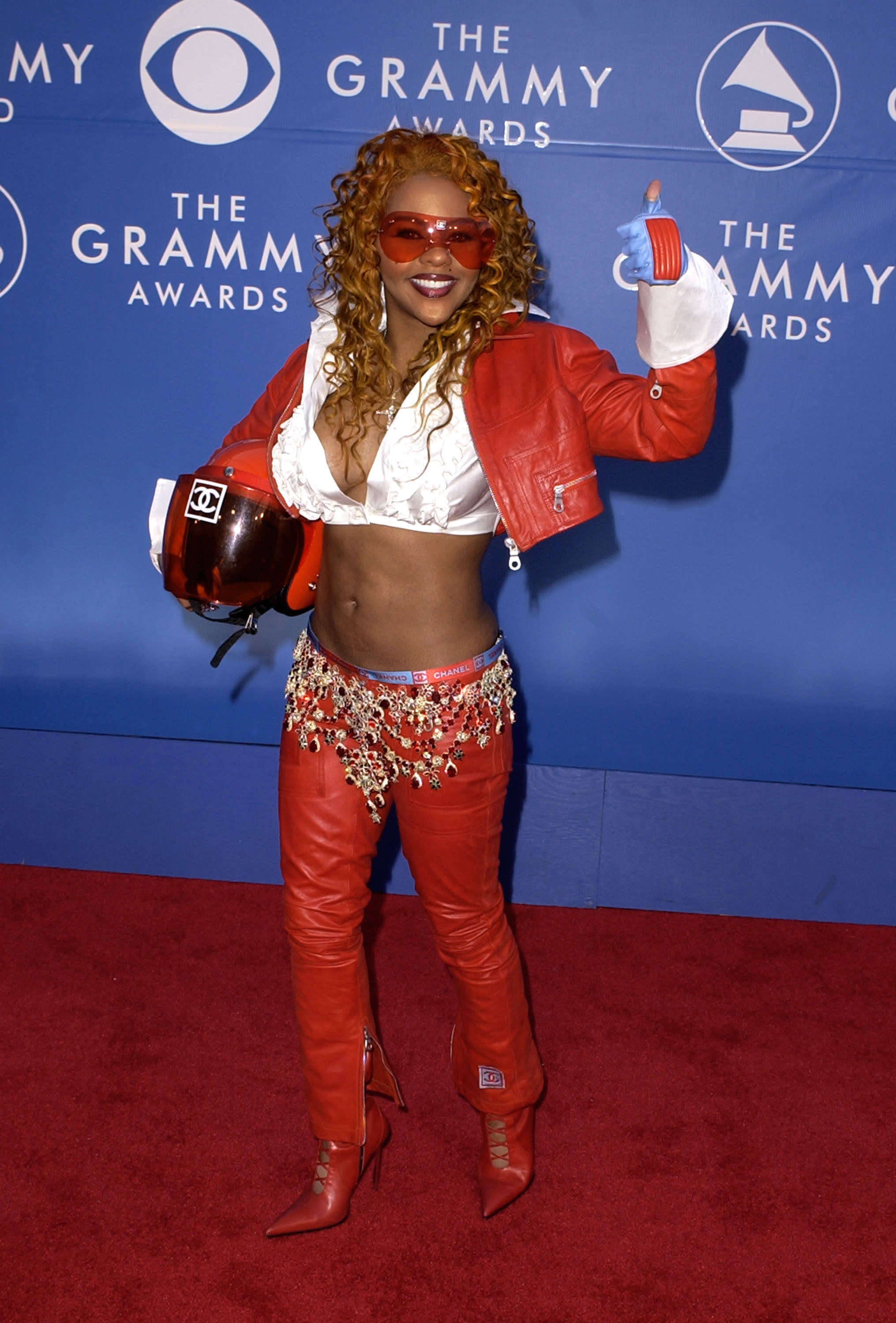 lil kim in chanel at grammys