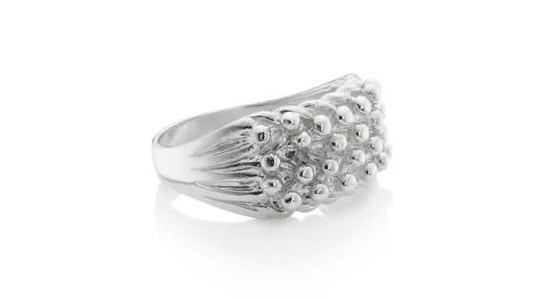 chained-able-ring