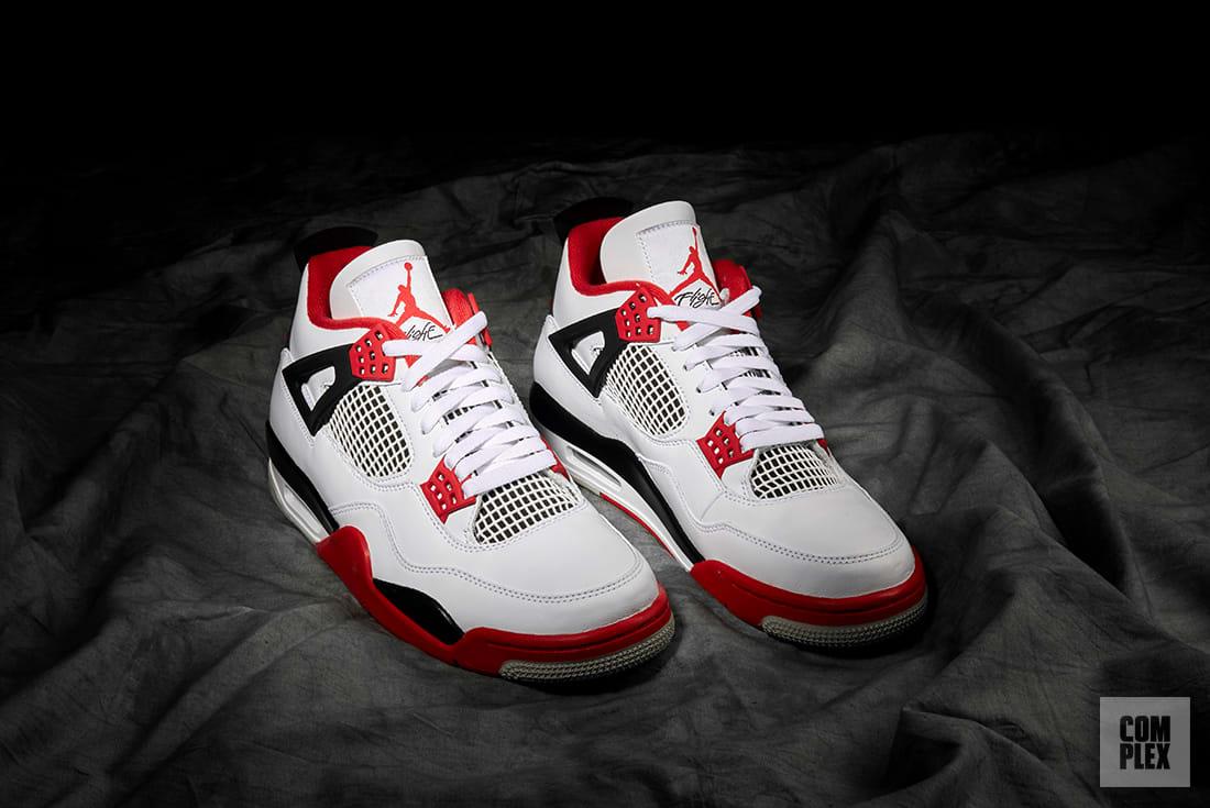 infinito cuidadosamente Perplejo  How the Air Jordan 4 'Fire Red' Became a Cultural Icon | Complex