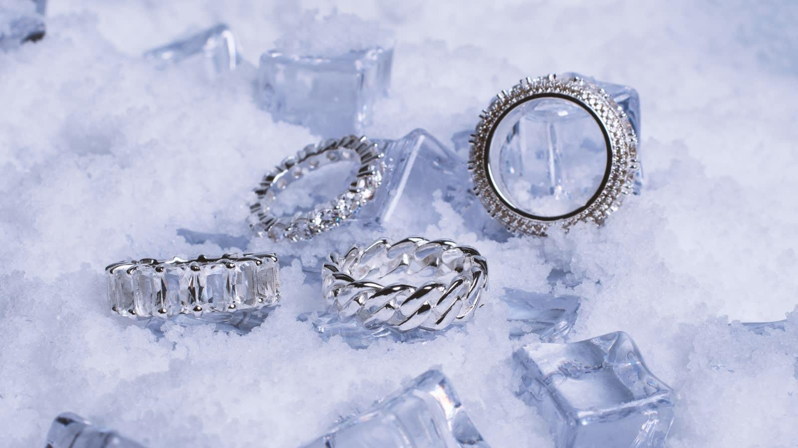 feather-pendants-ice1